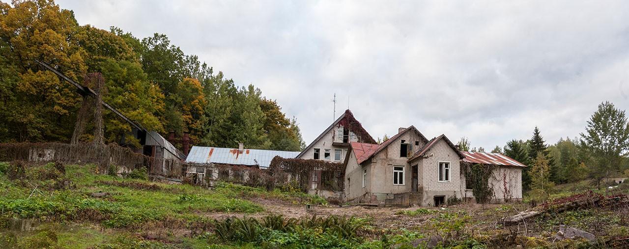 Apleistas namas-dirbtuvės Rokantikėse